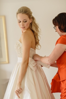 REAL WEDDINGS - OLIVIA & CHRIS: 6564 - WeddingWise Lookbook - wedding photo inspiration