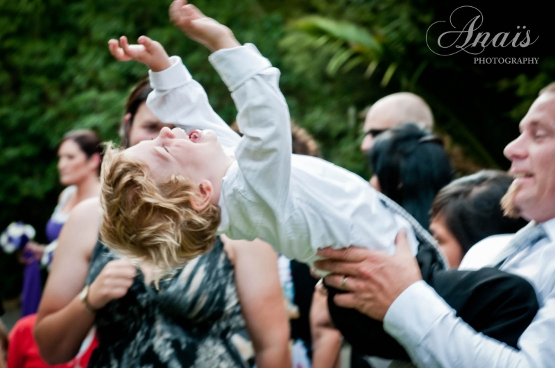 Wedding in the Green - Family & Friends: 7875 - WeddingWise Lookbook - wedding photo inspiration