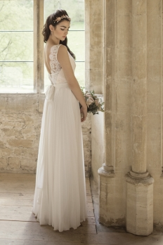 Johanna Hehir Spring '15: 10576 - WeddingWise Lookbook - wedding photo inspiration