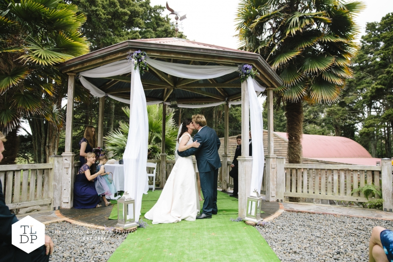 Rebecca + Rob :: Auckland Wedding Photographers :: The Lauren + Delwyn Project: 12058 - WeddingWise Lookbook - wedding photo inspiration