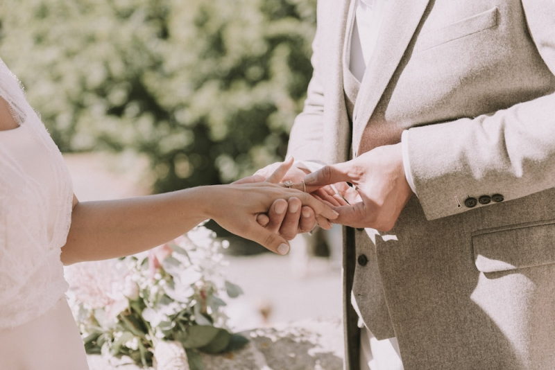 How To Write Wedding Vows! - WeddingWise Articles